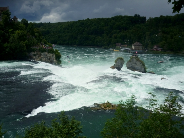 Watervallen Van Schaffhausen.Watervallen Van Schaffhausen Landschap Foto Van