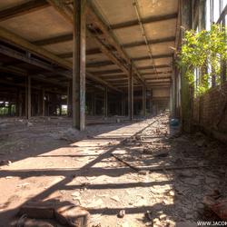 Verlaten oude staalfabriek (3)