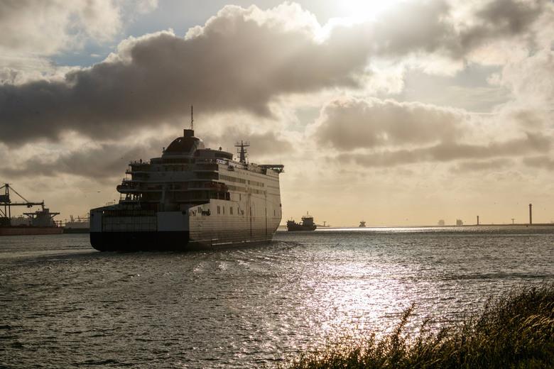 Pride of Rotterdam outward bound -