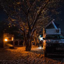 Camperen onder de sterrenhemel in Namibie
