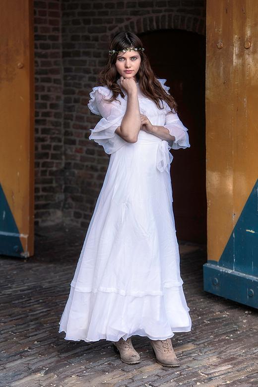 bruid - model Bacchante als bruid