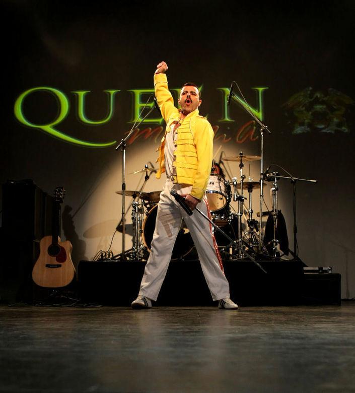 Queenmania - Afgelopen zaterdag naar het concert geweest van de Italiaanse Queen cover band &quot;Queenmania&quot;.<br /> Natuurlijk camera mee.<br /