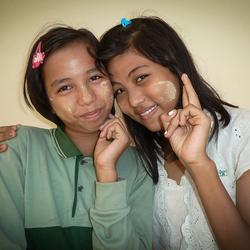 2 Vriendinnen Myanmar