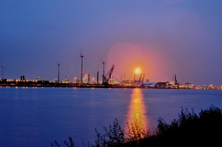 Anvers - De Antwerpse haven by night