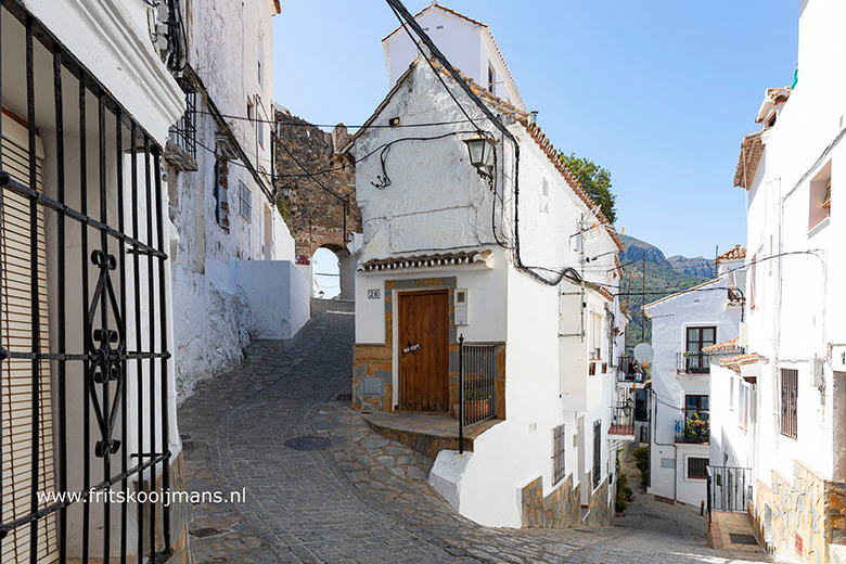 Straatje in Casares - 20190626 5019 Straatje in Casares