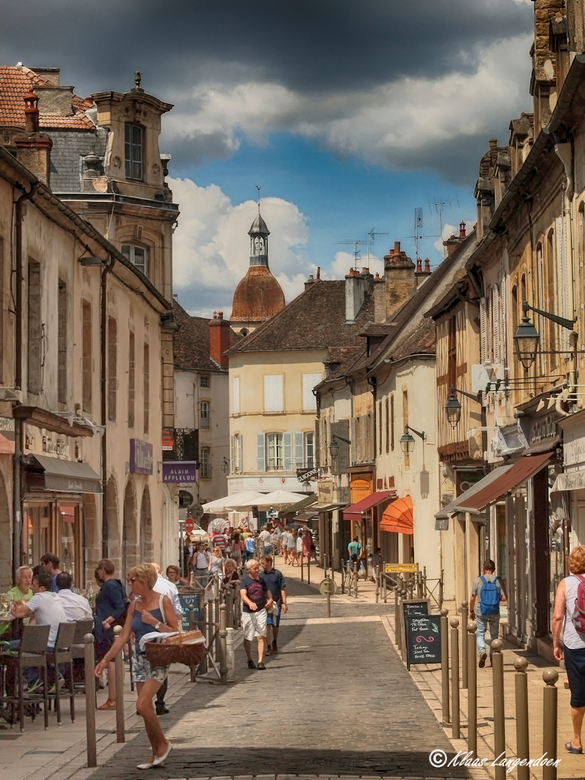 Beautiful Beaune - De mooie stad Beaune bewerkt met de Nik software.