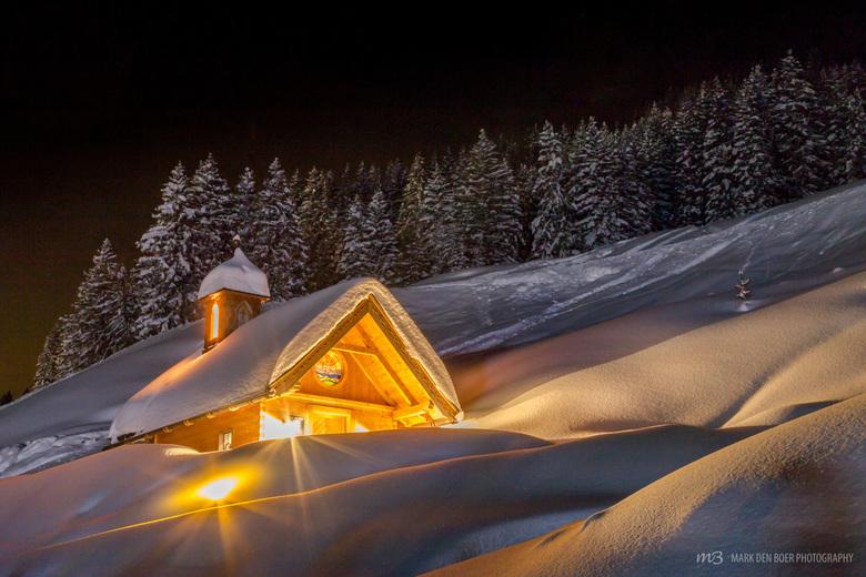 Little lovely church in the snow - Een fantastische hoeveelheid sneeuw afgelopen week in Königsleiten Oostenrijk! Op een ijskoude avond mij toch even