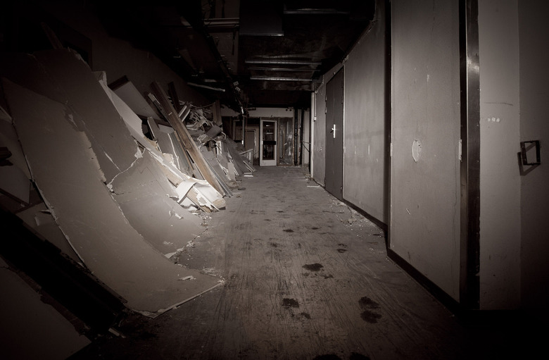 Dark Hallway - J.Z. - Juliana ziekenhuis. De sloop is begonnen.