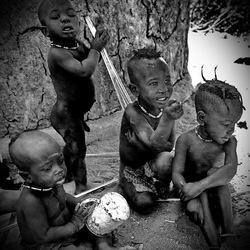 Himba kinderen