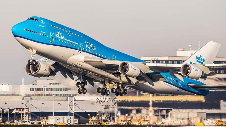 KLM B747 PH-BFW -