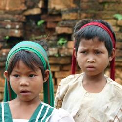 Zusjes uit Myanmar