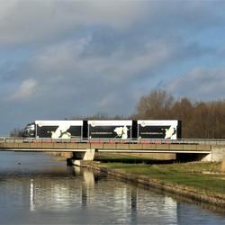 P1100229  TRUCK TIME    Wollebrand viaduct Volvo LZV   Flora Holland   13 jan 2019