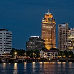 Rembrandttoren bij avond