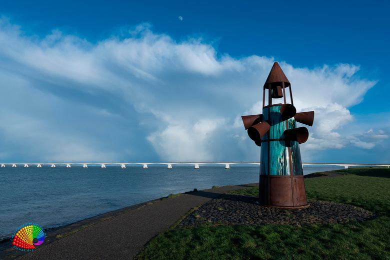 Monument van de verdronken dorpen in Zeeland. -