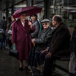 Bij de bushalte