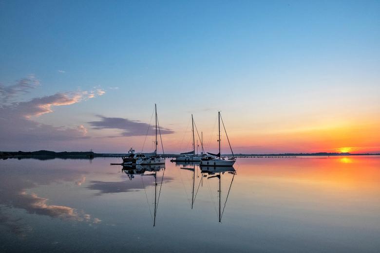 Grevelingenmeer bij Scharendijke 08-08-2020; 06:20 uur. - Een heerlijk begin van wat een tropische dag gaat worden.....