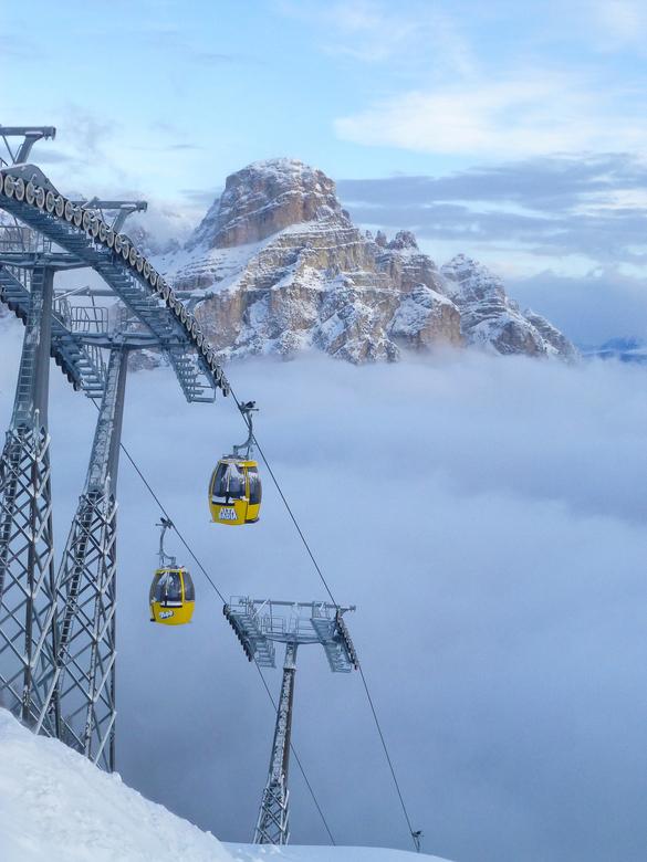 In de wolken 2 - Wolken in het dal en dan plots ben je met de lift boven de wolken...