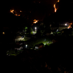 Châteauneuf-les-Bains bij nacht