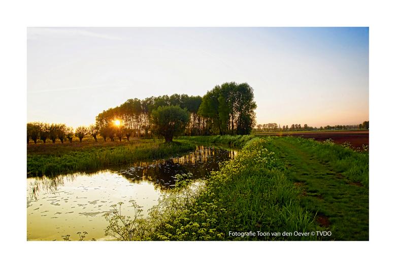 zonsondergang op het Ham Veghel - zonsondergang zaterdag 18-05-2013