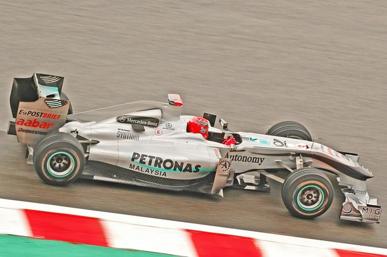 Formule 1 2010: Schumacher - Vandaag is het testen in F1 weer van start voor het nieuwe WK van 2014. 4 jaar terug was Schumachers rentree groots nieuw