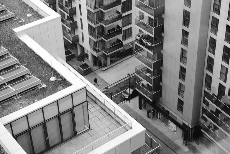 Londen - Inwoner - Inwoner van Londen, omringt door beton....<br /> <br /> Genomen in de wijk &quot;Devan Grove&quot;, Londen, Engeland.