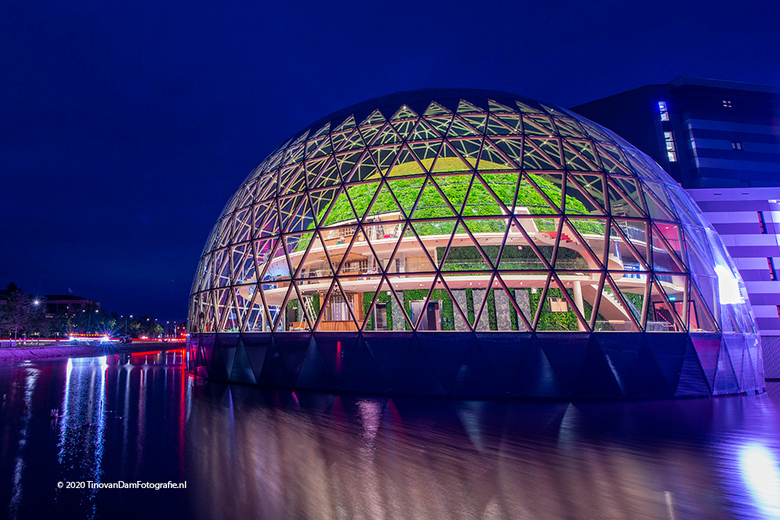 Glazen Bol - Afas Live in Leusden in de vroege ochtend. Kleurrijk spektakel.