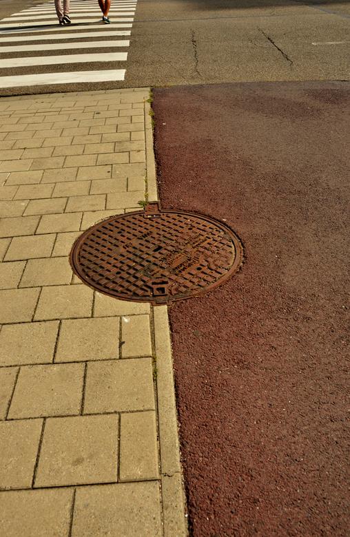 gefragmenteerd  - De straat, eens bekeken van een andere kant.