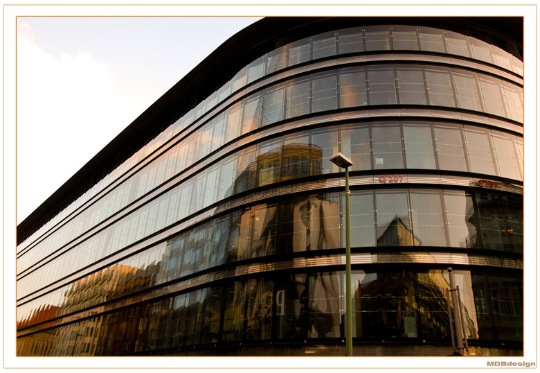 Galeries Lafayette Facade -
