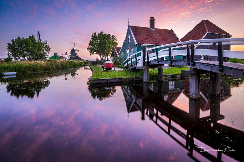 Dutch Summer Morning - Een veel gefotografeerde locatie, maar ik was er nog nooit geweest. Pas verbleven wij bij toeval een nachtje hier in de buurt.