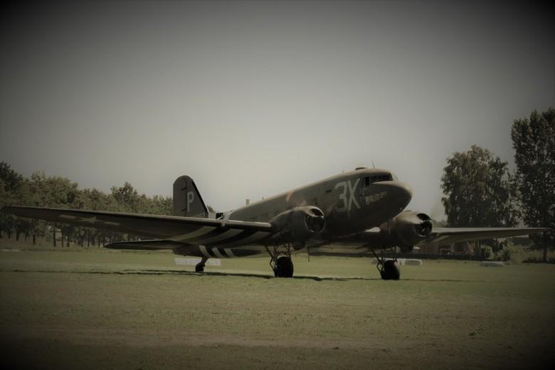 Ready for take off - Dakota Drag-em-oot, klaar om op te stijgen. Bij Wings of Freedom