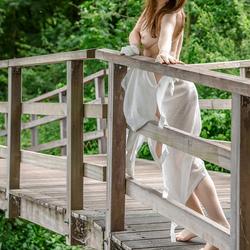 op die brug ...
