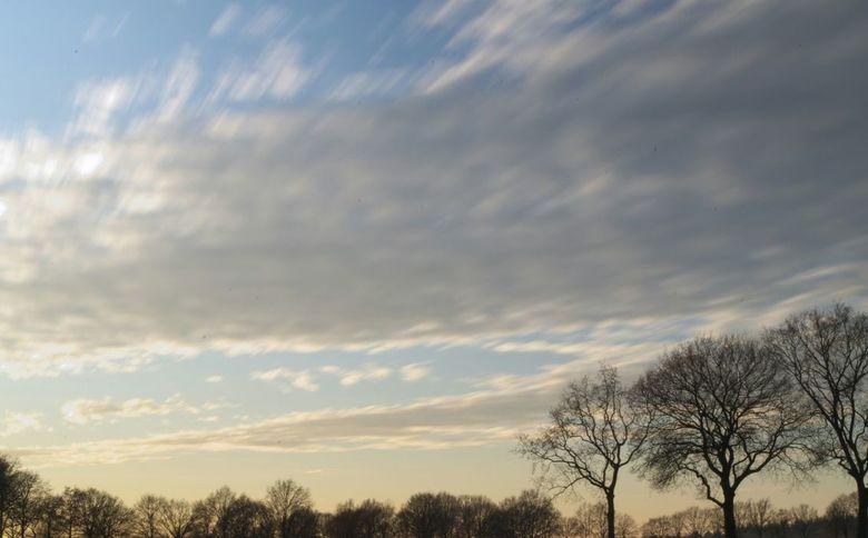 Drukke wolken - De wolken in een sluitertijd van 30 seconden.