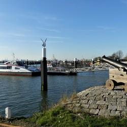 P1100163  H v Holland  uitz berghaven   6 jan 2020