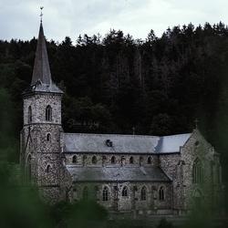 Duister Duits kerkje