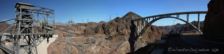 Mike O'Callaghan – Pat Tillman Memorial Bridge - De omstreden brug in Boulder City nabij de Hoover Dam aan Hwy 93.