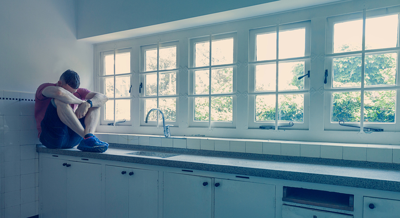 Man in keuken. -