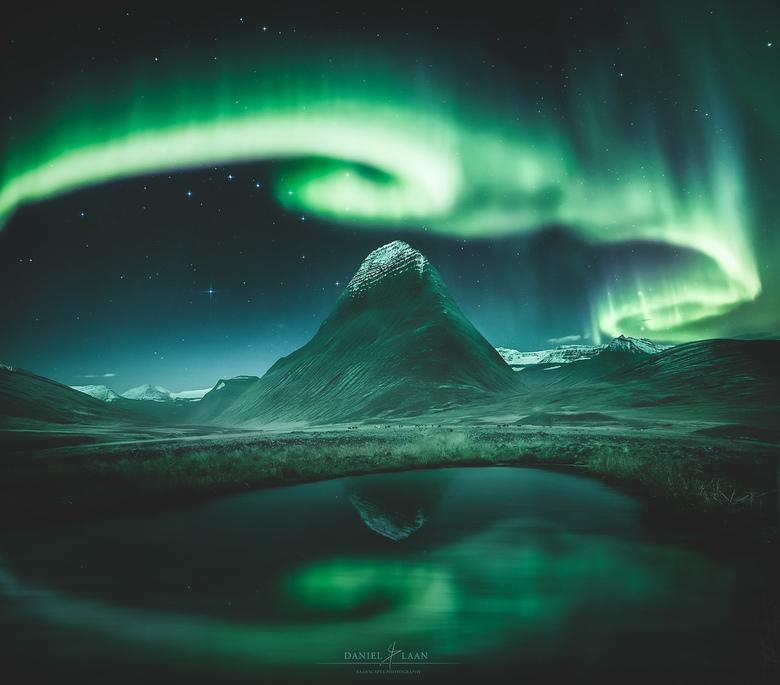 The Dance of Eternity - Puur IJsland. Plekken waar niet alle fotografen schouder aan schouder staan, zijn er nog steeds. En je hoeft er niet het ruige