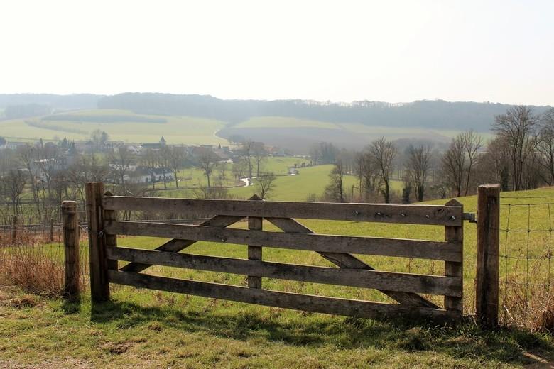 Uitzicht - Hier heb ik Oud-Valkenburg (Genhoes) gefotografeerd tijdens het wandelen, wat een uitzicht en wat heb ik genoten van dit landschap ondanks