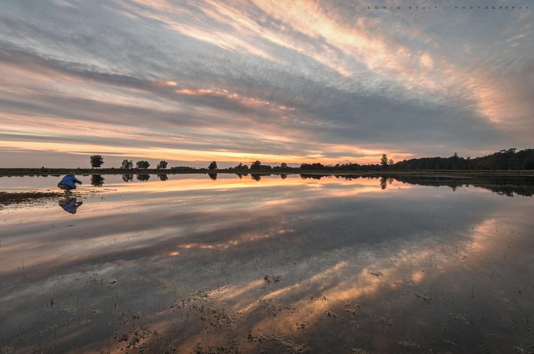 Zonsondergang fotograferen - Deze mooie zonsondergang werd niet alleen door mij gefotografeerd.