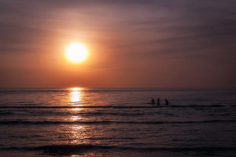Nog één duik voordat de zon onder gaat