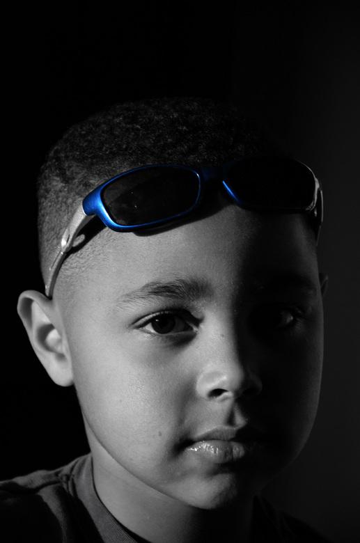 Jongetje - Jongetje met zonnebril