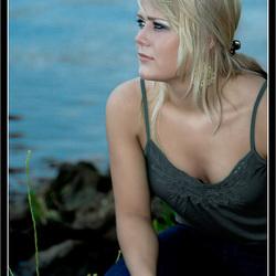 Joan aan de waterkant bij Zwartsluis