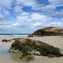 Praia das Catadrales