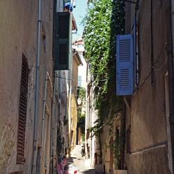 Saint-Tropez alley