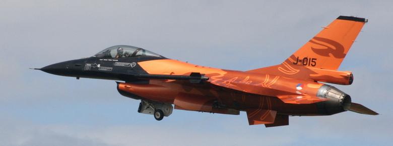 F16 oranje - F16 bij de Koninklijke Luchtmacht