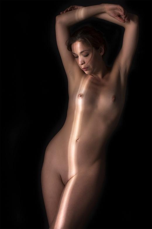 Kayleigh with light rays - model Kayleigh Lush