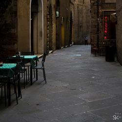 Verlaten steegje in Perugia, Italië