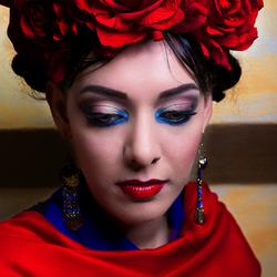 Kim ala Frida Kahlo