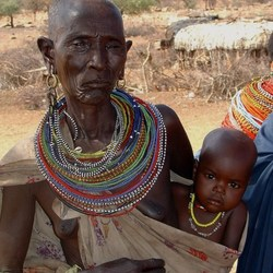 Samburu oma met kind