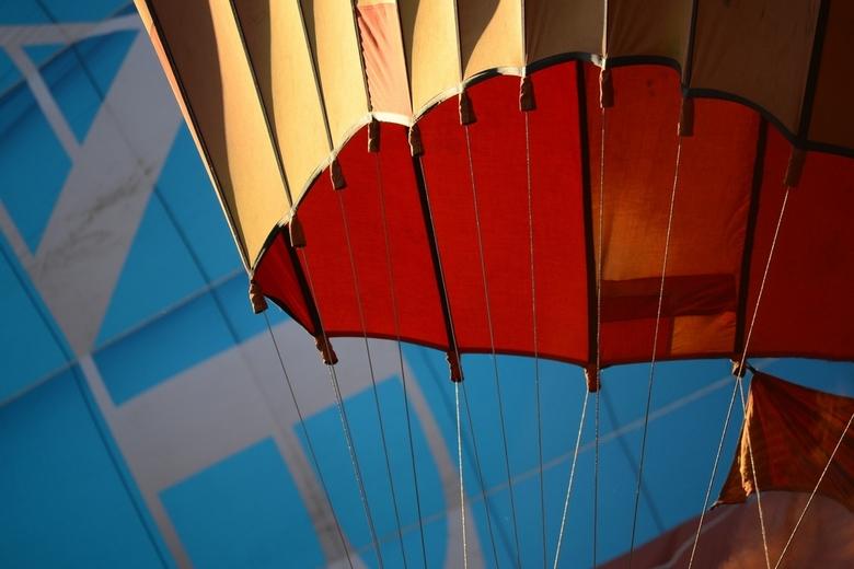 Kijkje luchtballon - Een prachtig beeld lijnenspel